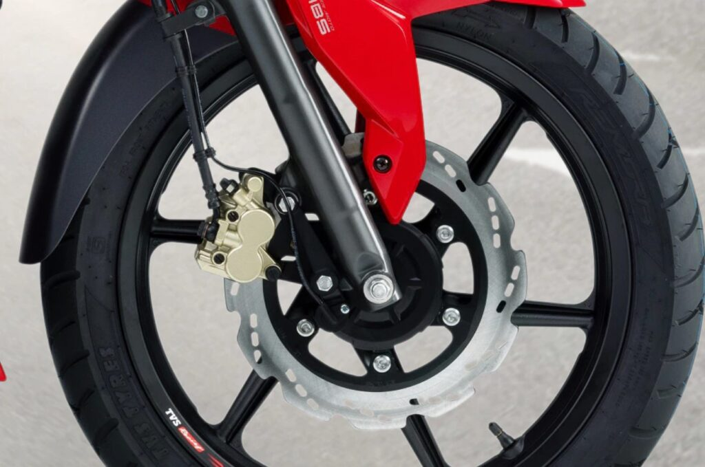 Read this article before you buy RTR 160 4v in Nepal Rubbery Brakes